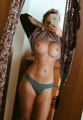 Perverse nude has so nice big breasts and wonderful nipples and booty